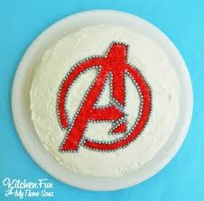 Send marvel avengers birthday cake across uae with express delivery. Avengers Theme Cake 50 Ideas For Birthdays And Beyond