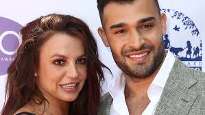 Writer kelly oxford commented on britney's page: Britney Spears Boyfriend Sam Asghari Speaks Out Against Her Father A Total D Fox News