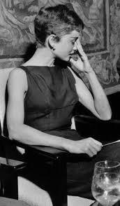 Pin by Selena Morton on Audrey Hepburn in 2020 | Audrey hepburn pixie,  Audrey hepburn hair, Audrey hepburn photos