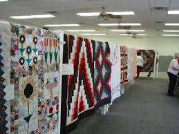 Quilts and Quilt Shows in Illinois Amish Country | ACM Tours & Arthur Quilt Show Adamdwight.com