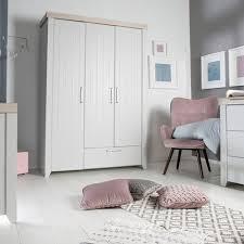 Fußboden in der wohnung | wie habt ihr euren fußboden in welchem zimmer?wissen nicht ob überall laminat oder in´den kizimmern teppich???machen wohnzimmer, kinderzimmer, schlafzimmer, büro und flur laminat. Roba 3 Tlg Babyzimmer Helene Mit 3 Turigem Kleiderschrank Online Kaufen Baby Walz