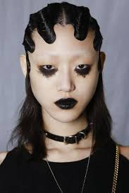 autumn winter 2016 dark lips trend british vogue