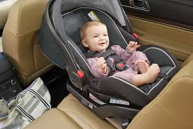 the graco snugride snuglock 35 infant car seat has a hassle free installation using either vehicle seat belt or latch