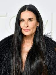 Demi Moore Fully Carpeted Her Bathroom ...