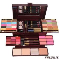 lakme makeup kit box main