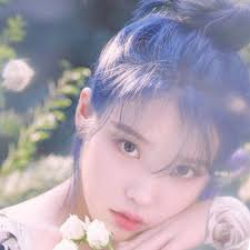 Iu (아이유) is a korean pop singer and actress under edam entertainment that debuted in 2008. Classic Blue Hair How To Dye Your Hair The Pantone 2020 Color Of The Year Allure