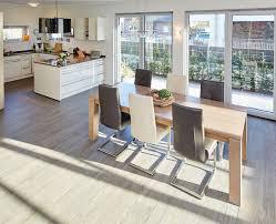Offene Küche Mit Essbereich Holztisch Ideen