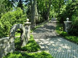 ... Driveways and entrances - www.myLusciousLife.com - Greenwich house3.jpg  ...