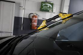 the dangers of diy windshield repair kits