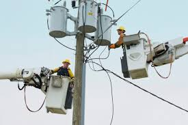 electrical power line installers and repairers what is the wage for a first year apprentice lineman chron com