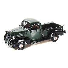 1941 Plymouth Pickup Truck, Green - Motormax 73278 - 1/24 scale ...