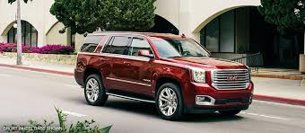 2018 gmc yukon xl. Wonderful Yukon Image Of The 2018 GMC Yukon XL Premium Edition Fullsize SUV In Motion On In Gmc Yukon Xl C