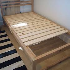 diy modern twin bed frame free plans full do it yourself tutorial to building your own modern twin bed frames diy woodworkingplans tutorial bed