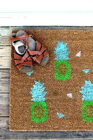 Pineapple Doormat DIY — Tag & Tibby