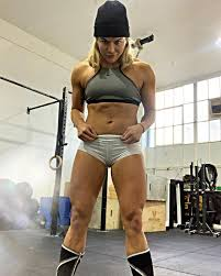 Sadie Gibbs - MORNINNN...G ➡️➡️..😝 @ CrossFit Against... | Facebook