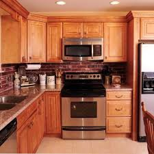 Honey maple kitchen cabinets Burnt Wood Honey Maple Kitchen Cabinets With Granite Countertops Leeann Foundation Honey Maple Kitchen Cabinets With Granite Countertops Honey Maple