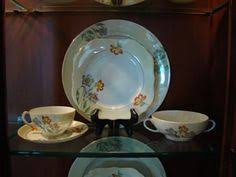 Fine China Display Stands How To Display Fine China In A Cabinet China Display And China 89
