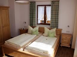 Ferienwohnung Nr 2 1 2 Personen 44 Qm 1 Schlafzimmer 2 Balkone