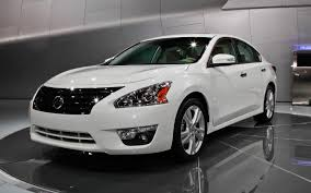 Refreshing or Revolting: 2013 Nissan Altima