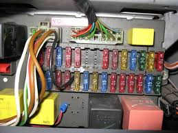 metro electrical problem mg rover org forums photo 1 the fusebox showing the black wire added by the aa bloke