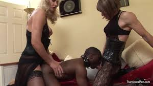 Dominating ebony tranny tube