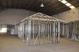 Metal Frame Houses Metal Frame Homes Grand Glass Lake House With Bold Steel Frame