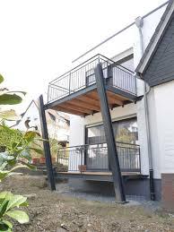 Terrasse sind wir offen für plattenboden alternativ holz (liegt unter dem hauptbalkon). Balkone Peter Baumhoff