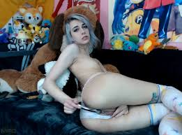 LunaLamb Craves A Good Orgasm AltPorn alt.porn erotica