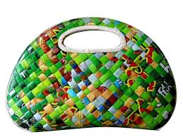 Creative+Art+From+Recycled+Materials   Bag-Made-From-
