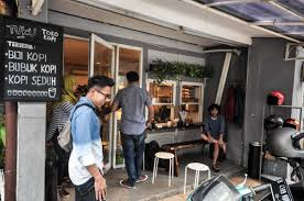 9 resep kopi tuku ala rumahan yang mudah dan enak dari komunitas memasak terbesar dunia! Merasakan Resep Kopi Tuku Kedai Kopi Yang Pernah Dikunjungi Jokowi By Abdul Latif Thalib Medium