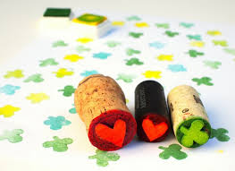easy wine cork crafts ad diy projects you can do with corks