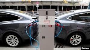چشمانداز کمتر شدن قیمت خودروهای برقی از بنزینی