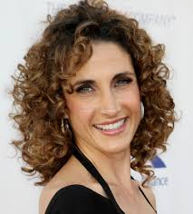 curly hairstyles for women over 50 7