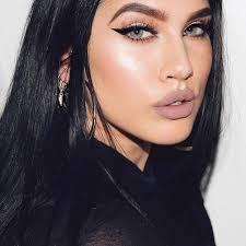 makeup artist melbourne aus curve model bella mgmt snapchat lateciat lateciathomas