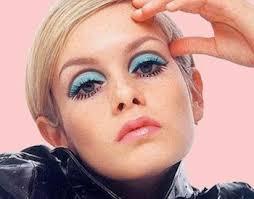 twiggy blue eyeshadow portable mod 60s