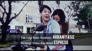 Umur 26 tahun) adalah aktor dan model berkebangsaan indonesia yang dikenal karena perannya sebagai roman di sinetron roman picisan the series dan beben di sinetron tukang ojek pengkolan Arbani Yasiz Jadi Model Di Video Klip Band Espresso Youtube