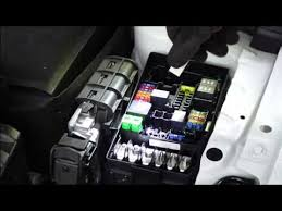 how to replace fuses vw golf vw golf vii (a7 typ 5g) years 2013 2016 vw golf fuses at Vw Golf Mk7 Fuse Box Diagram