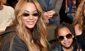 beyoncé s adorable daughter blue ivy is already a budding makeup artist appaly