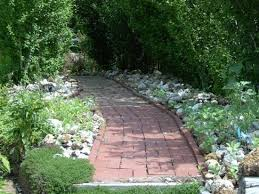 garden pathway. Cobbler Room \u0026 Cottage B\u0026B And Massage: Lovely Garden Pathway At The Patty Kerr B