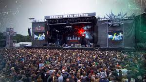 Graspop Metal Meeting - TBT - <b>Slash ft</b>. <b>Myles Kennedy</b> & The ...