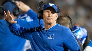Lance Leipold signs contract extension to stay on at UB | abc10.com