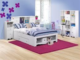 Bed w/ Pixel Pieces Magnifier