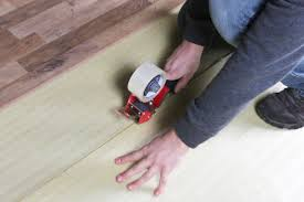 how to install 2in1 vapor barrier underlayment tape the rows together