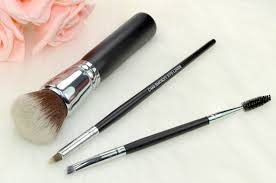 i ve featured quite a few crownbrush makeup brushes thus far here here and here and i have three new additions to my crownbrush makeup brush