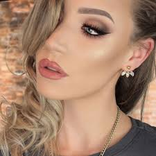 i m a profesional makeup artist based in sydney australia i make makeup tutorial videos to help you guys with your make woes and to teach you the tri