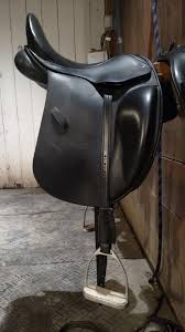 i ended up getting his dressage leathers which he started doing after dressage customers were complaining that their traditional leathers stretched a lot