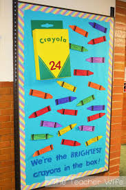 Back-to-School Bulletin Board Idea! This link includes a free printable for