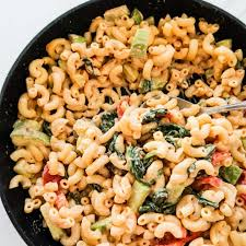 creamy pasta with spinach garlic and