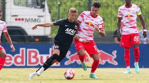 1 day ago · szoboszlai dominik először volt kezdő a leipzigben bajnoki meccsen, első alkalommal lépett pályára a lipcsei stadionban és először szerzett két gólt a német élvonalban a stuttgart. Bundesliga Rb Star Nicht Fit Leipzigs Risiko Mit Diesem Spieler Bundesliga Bild De