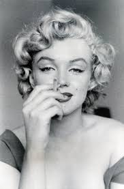 Marilyn Monroe Hairstyle 17 Best Images About Marilyn Monroe On Pinterest Curls Blonde